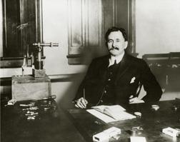 Michelson, Albert A.
