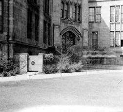 George Herbert Jones Laboratory