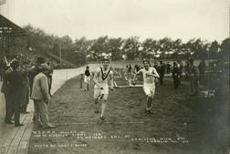Track, 1900