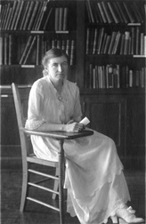 Pettit, Hannah Steele