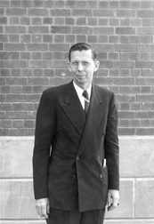 Elvey, Christian Thomas